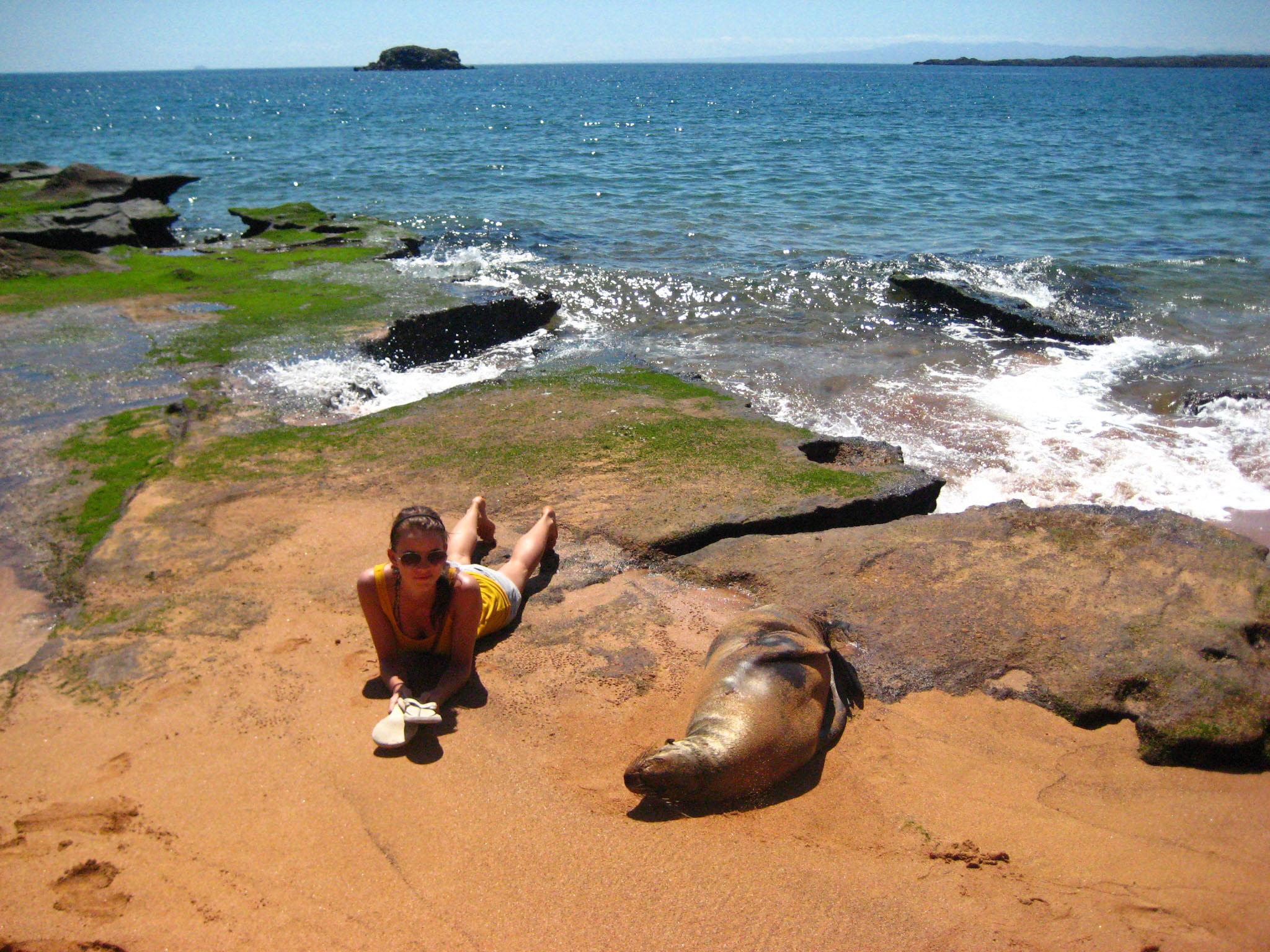 Sich mit einem Seelöwen auf Galápagos zu sonnen, ist schon ein besonderes Gefühl.