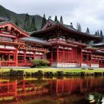 Buddhistischer Byodo-In Tempel am Fuße der Ko'olau Berge