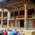 Globe Theatre. Vor der Bühne