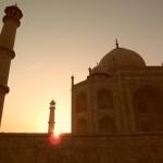Märchenhaftes Taj Mahal nach dem Sonnenaufgang