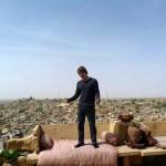 """Karl. Rastplatz über den Dächern von Jaisalmer, der """"goldenen Stadt Indiens"""""""