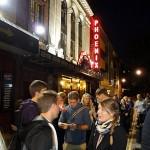 London am Abend - vor dem Phoenix-Theater
