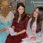 Henriette Herz führt einen der beliebtesten Salons in Berlin und beherrscht mehrere Fremdsprachen