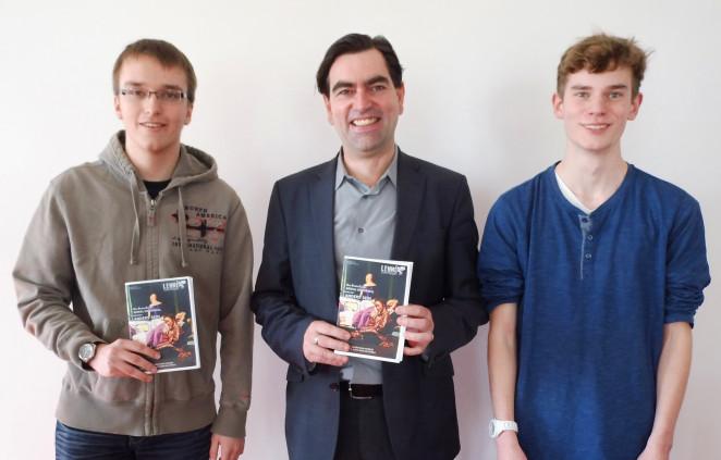 Zufrieden - nach getaner Arbeit in der Jury des Bundeswettbewerbs der Schülerzeitungen: Stefan, Thoralf Cleven, Alex (v.li.n.re.)