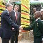 Bundespräsident Köhler in der Schule in Ruanda